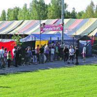 Pöheikön Pölläys -ilmainen livestriimi lähetetään lauantaina Akun Tehtaalta – mukana Aimo Pamaus, Hauli Bros ja Kormus