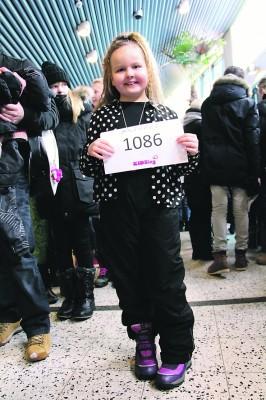KIDSing-laulukilpailuun osallistui tammi–helmikuussa monta ylöjärveläistä lasta. Onneaan kokeili myös kahdeksanvuotias Anni Leppänen Siivikkalasta.