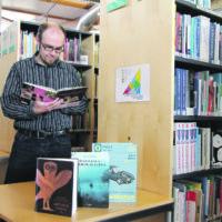 Kotoilu kukoistaa kirjahyllyssä