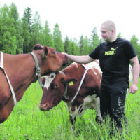 Karjanhoitaja-hieroja ei luottaisi  pelkästään tilakokojen suurentamiseen