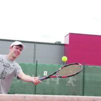 Varsin yleinen luulo: Tennis on liian vaikeaa