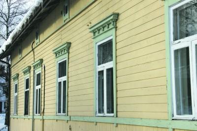 Viljakkalan vanha kunnantalo muutettiin aikoinaan nuorisotilaksi. Viime aikoina tilan kävijämäärä on romahtanut, mikä on luonut päättäjille paineita sulkea tila. (Arkistokuva)