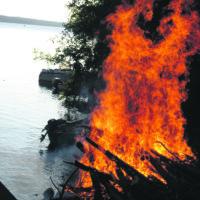 Länsi-Teiskossa roihunnut savusauna paloi korjauskelvottomaksi juhannusaattona