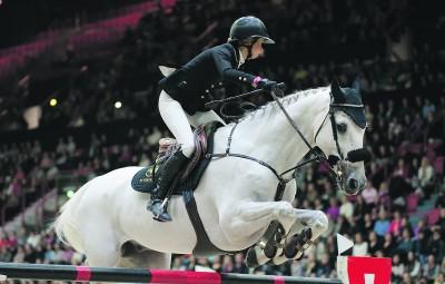 Helsinki International Horse Show toissa viikonloppuna oli Anna-Julia Kontiolle hieno harppaus uralla eteenpäin.