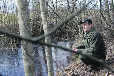 Vipu-paikallisyhdistyksen puheenjohtaja Ismo Friman toivoo raakkutietoisuuden lisääntymistä entisestään. Uhanalaista lajia ei pidä häiritä.