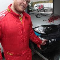 Kihlman pääsi lopulta osallistumaan kilpailuun. Auton suurimmaksi vaurioksi jäi haljennut puskuri.