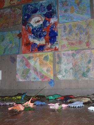 Mahnalan ympäristökoulun näyttely Seitsemisessä