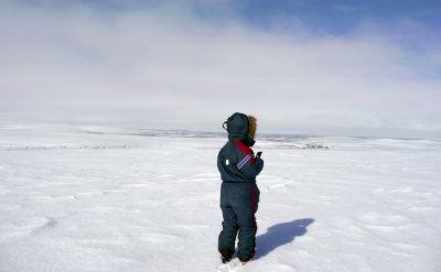 Enontekilöllä vaihto-oppilas sai myös tosi maistiaisen talvea ja talvimaisemaa. (Kuva: Seppo Leppänen)