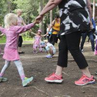 Kaupunki järjestää kesällä monenlaisia liikuntakerhoja lapsille ja nuorille – katso aikataulut