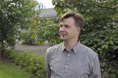 Harri Veistinen, käsikirjoittaminen, televisio, radio