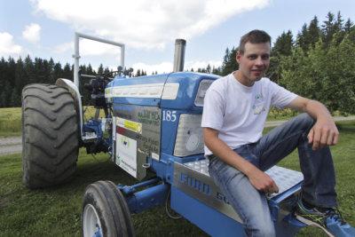 Ville Koivuniemi, tractor pulling, traktorit