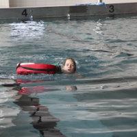Eskarilaisetkin pääsevät uimaopetukseen syksystä alkaen