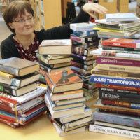 Leijassa alkaa poistomyynti, jossa kirjoja myydään puoli-ilmaiseksi pois uusien tieltä