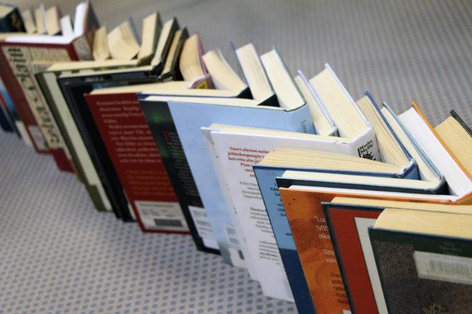 kirjat, kirjallisuus, lukeminen