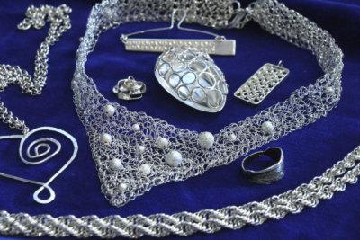 hopeakorut, hopea, Rauni Rauthovi, Leena Haanpää, pääkirjasto Leija, työväenopisto