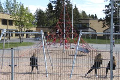 Moision koulu, Veittijärven koulu, Vuorentaustan koulu, Soppeenharjun koulu, Kauraslammen koulu, koululiitos, hallinto