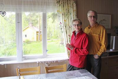 Sinikka Lamminen ja Pekka Tommila ovat olleet yhdessä kymmenen vuotta. Tampereelle he muuttivat Helsingistä vuonna 2013. Tommila on kotoisin Länsi-Suomesta ja Lamminen Pohjois-Karjalasta ja Tampereelta.
