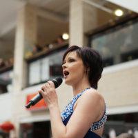 Metsäkyläläislaulaja Mia Leivo otti upean voiton Loistava Laulaja -kilpailussa Vääksyssä