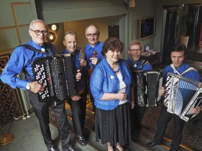 Tammer-Hanurit, Muistojen vuosikymmenet -konsertti, Kurun seuratalo, musiikki