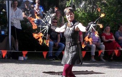 Räikän tulet, Fire Lady, tulishow