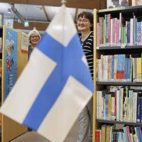 Kirjastokin juhlii Suomea