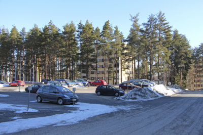 Kaavoitus, Mastontie, parkkipaikka, kerrostalo, oikea parkkipaikka, kuva: Iiria Lehtinen