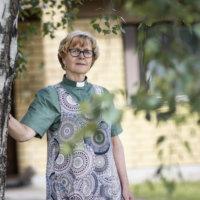 """Diakonissa Liisa Metsähonkala jää eläkkeelle kutsumusammatistaan: """"Kyllä minä olen tätä työtä rakastanut"""""""