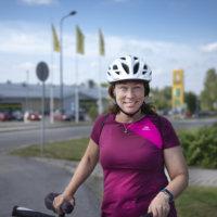 Taina Liekari juhlii viisikymppisiään pyöräilemällä 4 000 kilometriä 50 päivässä