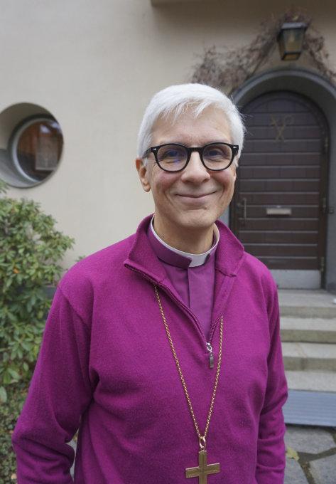 - Ihmisten on löydettävä toivo. Toivon mukana kansalaiset rohkaistuvat luottamaan huomiseen. Luottamus mahdollistaa perheiden perustamisen ja lapsien hankkimisen, piispa Matti Repo sanoo.