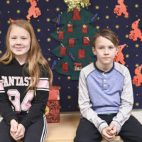 Mutalan koulun nelosluokkalaiset Peppi ja Tuomas edustivat Ylöjärveä lasten itsenäisyysjuhlassa Helsingissä