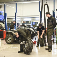 Tredun autonasentajaopiskelijat saivat syksyllä upouudet tilat – myös työkalut ja tekniikka uusinta uutta