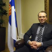 Puolustusministeri Jussi Niinistö: 2020-luku tuonee uuden varuskunnan tai jonkin olemassa olevan varuskunnan merkittävän laajennuksen