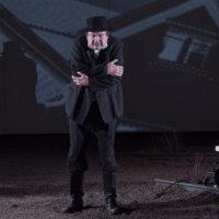 Akaalaisperheen tragediasta kertova Linnankosken pääteos herättelee nyt näytelmänä