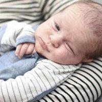 Jenna ja Erkki Niemelän kolmeviikkoinen pienokainen on Ylöjärven kaupungin 150-vuotisjuhlavauva