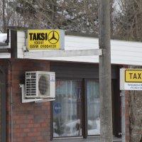 Kun taksiasema lähtee, tilalle tulee uusi tolppa kirjastolle