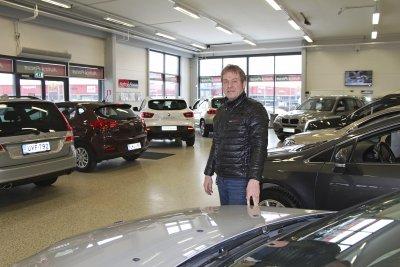 Kim Korpela, Auto-Focus, automyyjä