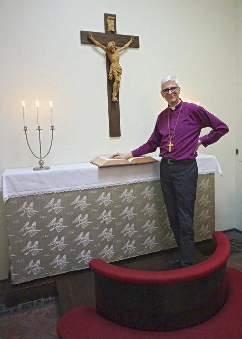 Piispa Matti Repo soisi, että suomalaiset näkisivät jälleen tulevaisuuden nimenomaan lapsissa. Hänen mukaansa lapset ovat kansakunnan toivon merkkejä. Kirkonmies kannustaa kansalaisia tulevaisuustalkoisiin. (Kuva: Matti Pulkkinen)