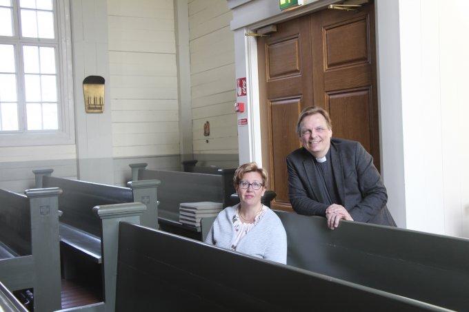 Heli Vesaranta, kirkkoherra Kimmo Reinikainen