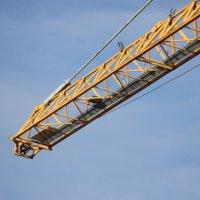 Vastine: Suomi tarvitsee sekä betonia että puuta