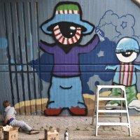 Kyklooppikaksikko vartioi nyt Tiikontien alikulkutunnelia – Katso kuvat upeista nuorten maalaamista graffititeoksista