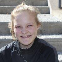 Suomenmestari Nella Honkaniemi, 13, on kovapäinen ja notkea painija, joka rökittää monet pojat ja jopa 20-vuotiaat  naiset