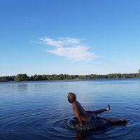 Marika Ritala: Hämeenkyrön Kyrösjärvi juhannusaattoiltana.