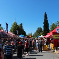 Kurun markkinat kylpi auringossa – katso kesäiset tunnelmakuvat