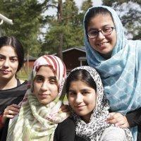"""Ylöjärvellä järjestetty pakolaistaustaisten tyttöjen kesälukio valaa toivonsa menettäneisiin nuoriin rohkeutta – """"Nyt tiedän, että minä itse saan päättää omasta tulevaisuudestani"""""""