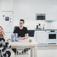 Kaksi viikkoa vanhat ylöjärveläiset Tiia ja Juho Vuolas asuttavat juuri valmistunutta Artturintornia: Tiian uusi työ ekaluokkalaisten opettajana Kurussa houkutteli Ylöjärvelle