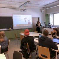 Miksi ruotsin kielen opiskelu kannattaa? Sanni Peltoselle ruotsi poiki jatko-opiskelupaikan ja työn