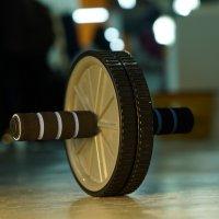 Voimapyörä: kehon painolla tapahtuva, syviä vatsalihaksia jumppaava liike tekisi kaikille hyvää