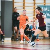 YIlves aloitti ryminällä naisten Futsal-Liigan – katso kuvat maali-iloittelusta