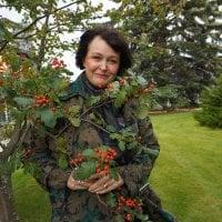 """Floristimestari, liiketalouden tradenomi Katri Gummerus: """"Suomalaisten on omaksuttava lähikukka-ajattelu"""""""