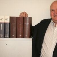 Perhe- ja perintöoikeusasiat ovat 60 vuotta täyttäneen Tapio Mäkelän keskeistä työnsarkaa